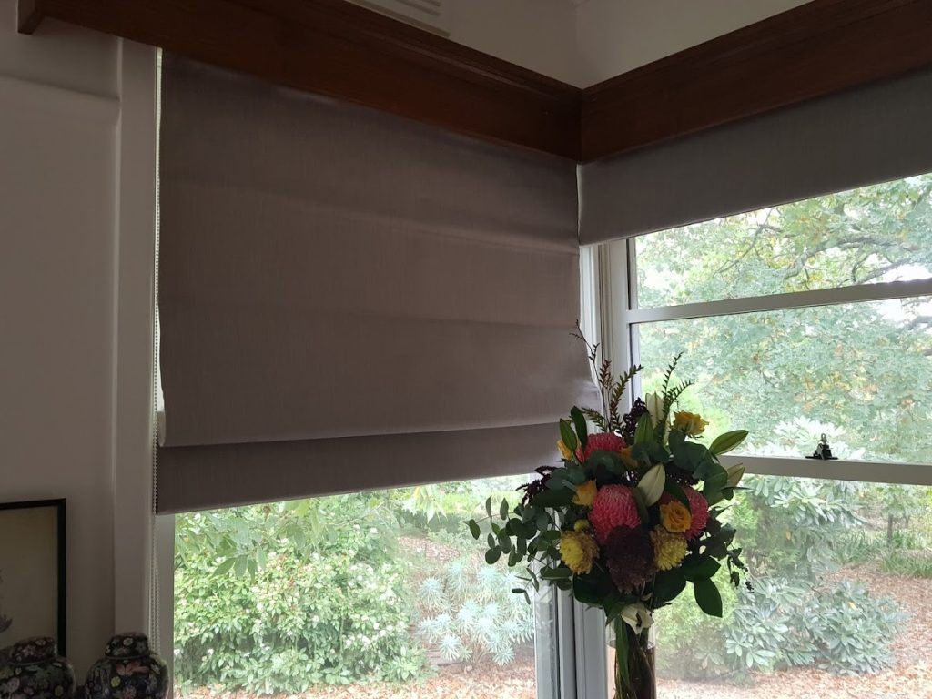 Roman Blinds Lounge